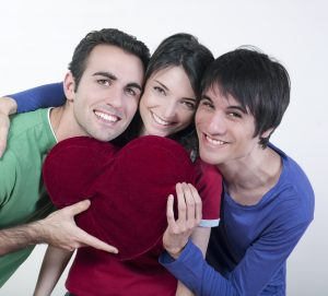 cœur et trio de jeunes gens